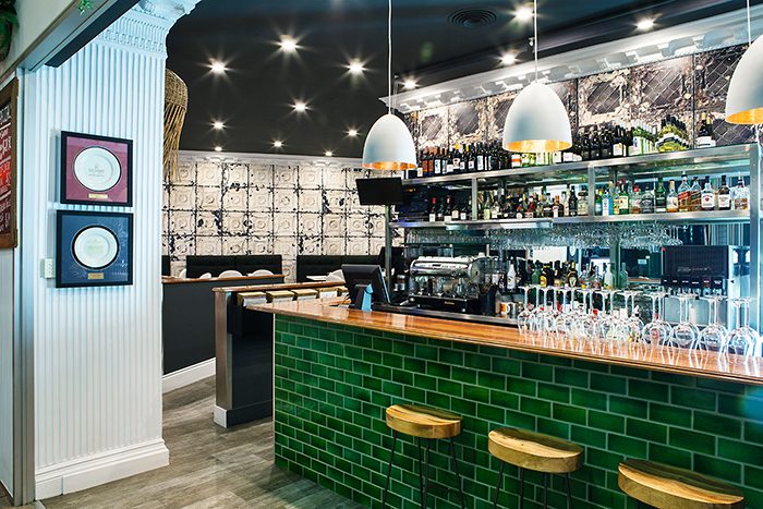 An image of the bar at The Lazy Lobster restaurant, Gold Coast. Food venue photography by Gold Coast Food Photography - Gold Coast and Brisbane
